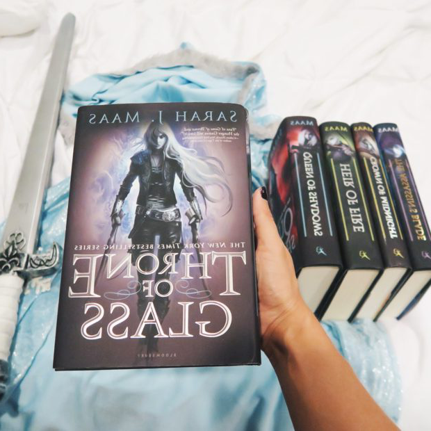 Looking for a Page-Turning Book Series? Give Throne of Glass a Try